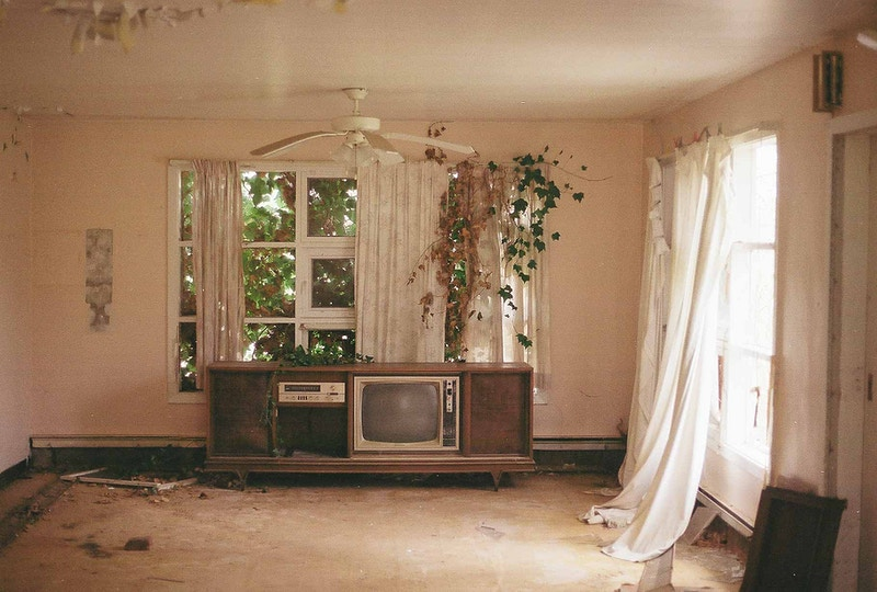 Abandoned Living Room - Andrew Hutchins