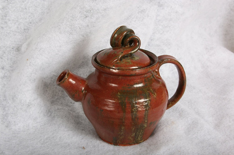 Iron Red Teapot - Alexis Dillon | PHOTOGRAPHER