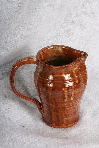 Rust Pitcher - Alexis Dillon | PHOTOGRAPHER