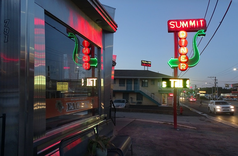 Summit Diner - Alexis Dillon | PHOTOGRAPHER