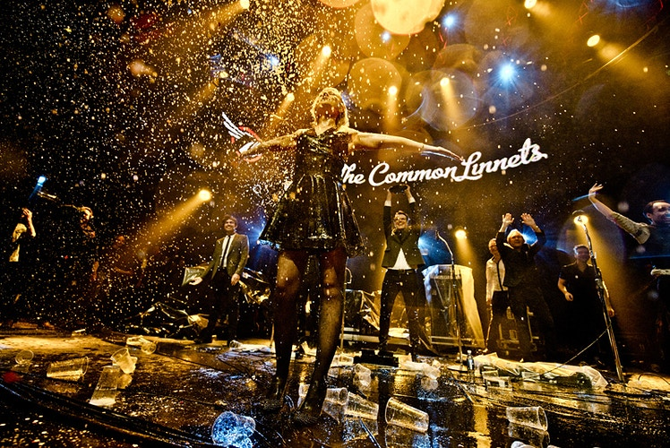 The Common Linnets (Popprijs winners beer shower Noorderslag) - Andreas Terlaak Photography