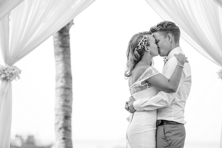 Helen And Michael - Koh Samui Photographer - Award Winning - Wedding - Couple - Honeymoon - Family