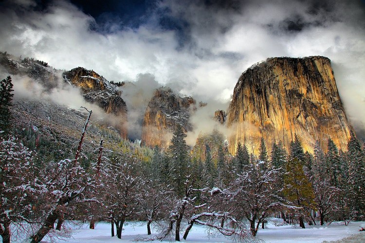 El Captian  snowstorm Yosemite NP - around the bend photos photography by Sheldon Ballard