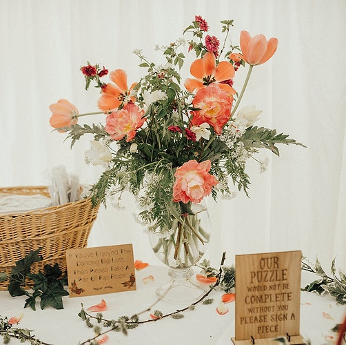 DIY UNARRAGED FLOWERS - Ascott Gardens