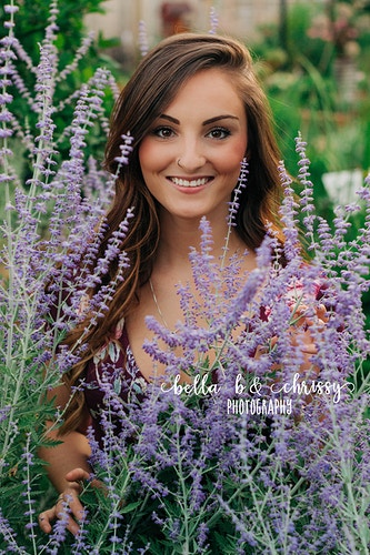 Senior Portrait - Bella B & Chrissy Photography