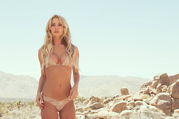 Bryana Holly - BILLY WATTS PHOTOGRAPHY