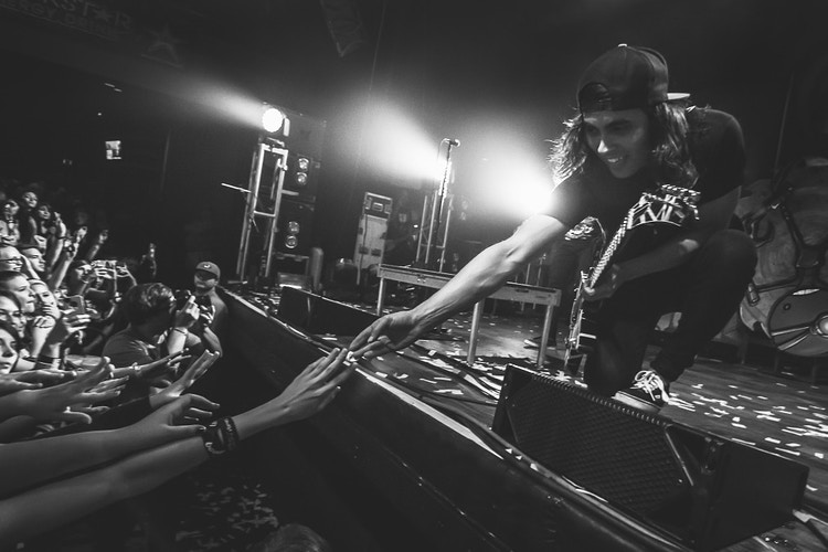Vic Fuentes - Brendan Donahue Photography