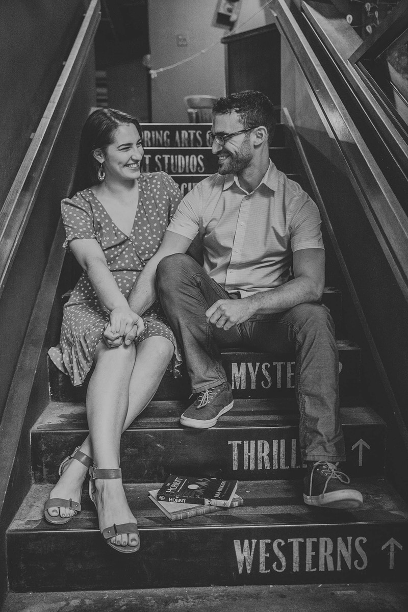 Romance At The Last Bookstore - Christy Kendall Photography