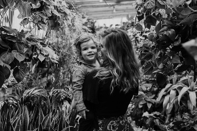A Greenhouse Family Session - Christy Kendall Photography