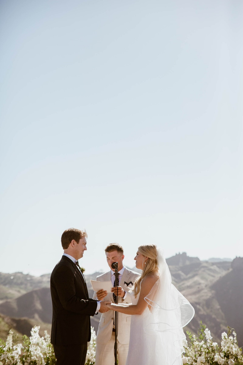 A Classic White Wedding At Malibu Rocky Oaks - Christy Kendall Photography