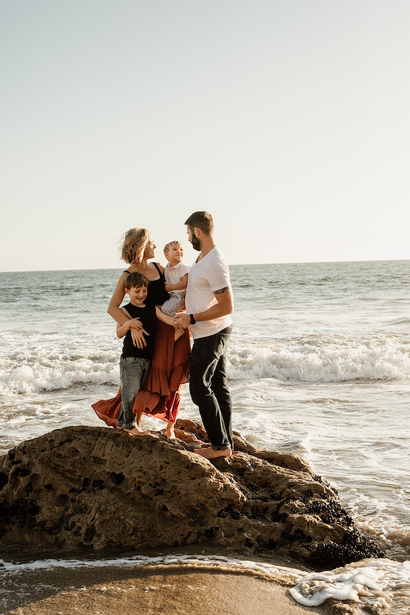 The Quintessential Family Beach Session - Christy Kendall Photography