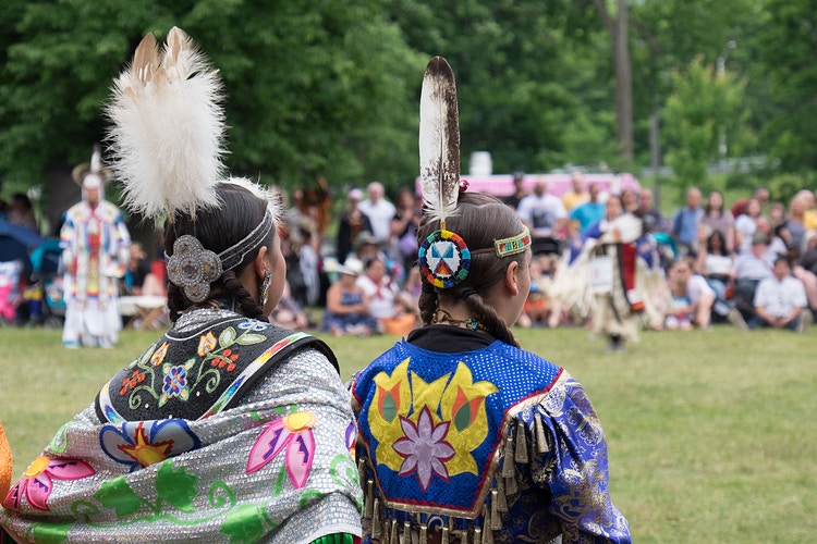 Pow Wow - Coline Heisse § Photographies