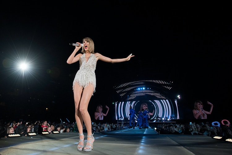 Taylor Swift - Cooper Neill | Dallas Freelance Photographer