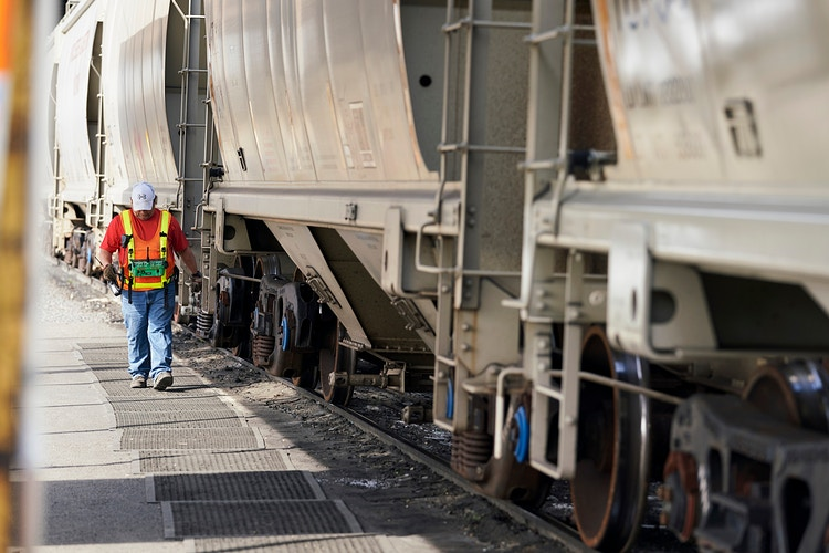 Union Pacific (for Bloomberg) - Cooper Neill | Dallas Freelance Photographer