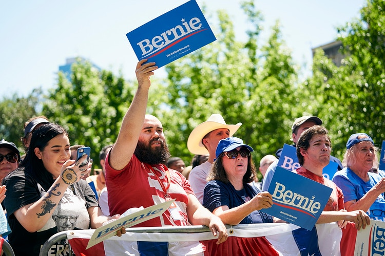 Bernie Sanders (for The New York Times) - Cooper Neill | Dallas Freelance Photographer