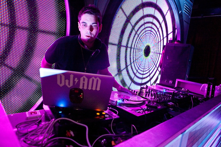 DJ AM - CRICKONTOUR