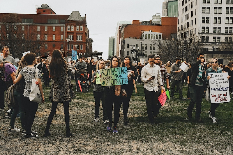 omens solidarity march - 800×533