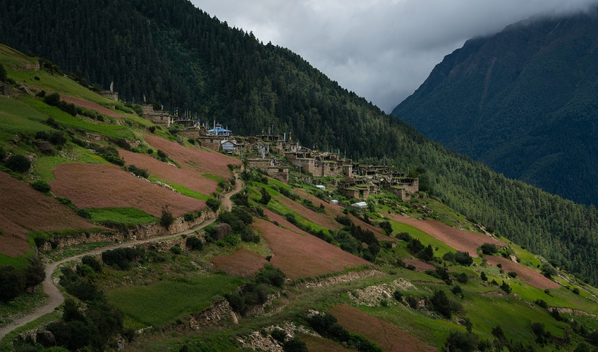 An isolated village along the Annapurna Circuit in Nepal - Daniel John Photography