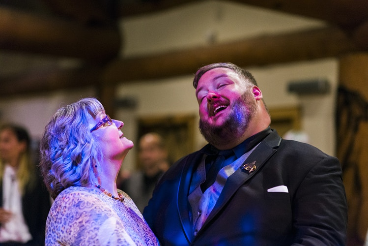 Kim And Danny Cabin Creek Lodge In Easton Wa - Ginger Bee Events & Planning | Seattle Wedding Planning & Design