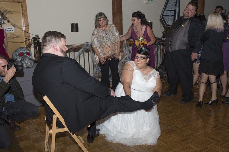 Kim And Danny Cabin Creek Lodge In Easton Wa - Ginger Bee Events & Planning   Seattle Wedding Planning & Design
