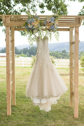 Tracy And Aaron Long Farm Barn Or - Ginger Bee Events & Planning | Seattle Wedding Planning & Design
