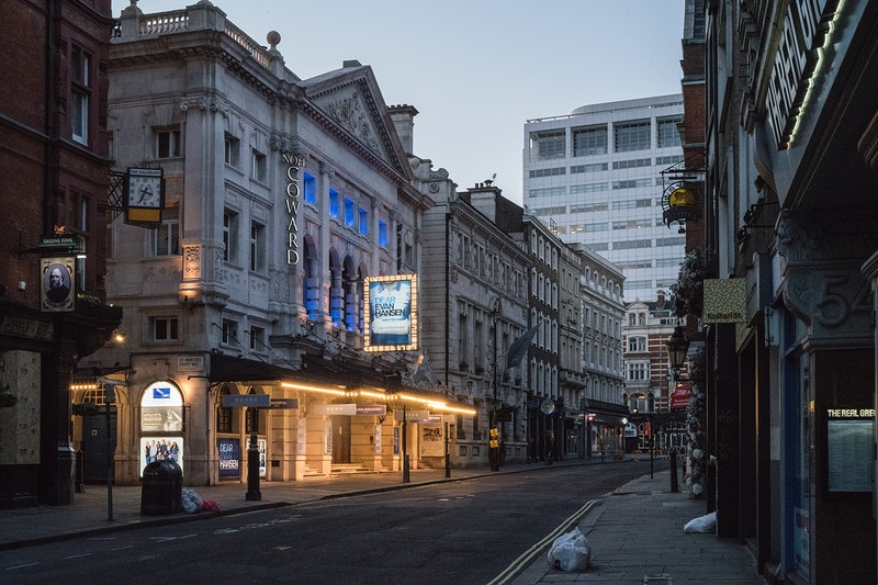 THE NOEL COWARD THEATRE ST. MARTINS LANE LONDON FRIDAY EVENING 27TH MARCH @ 19.29 DURING THE GREAT GLOBAL PANDEMIC OF 2020 - GRAHAM GUY BARRATT