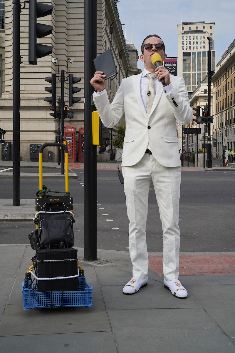 PREACHER MAN. WESTMINSTER BRIDGE OUTSIDE NHS ST. THOMAS HOSPITAL WITH BORIS ILL INSIDE FROM COVID.19 AND REQUESTING