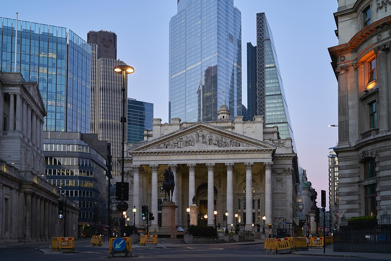 RUSH HOUR NOT FOR NOW. BANK OF ENGLAND THREADNEEDLE STREET FROM THE TRAFFIC ISLAND AT POULTRY & BANK LONDON WEDNESDAY 15TH APRIL 20.03 DURING THE GREAT GLOBAL PANDEMIC OF 2020 - GRAHAM GUY BARRATT