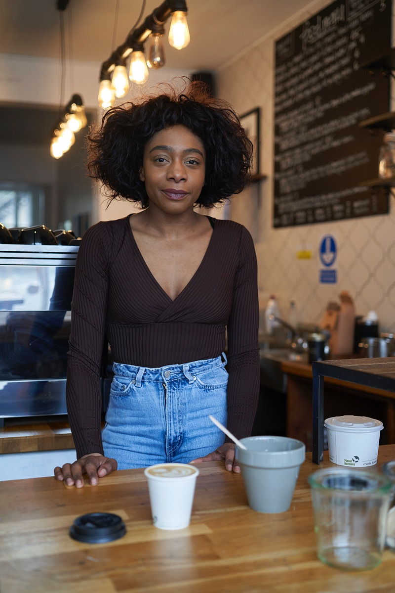 ANITA. OWNER OPERATOR AND NOW RUNNING HER COFFEE SHOP 'APPESTAT' THE BEST IN N1 SINGLE HANDED OPEN 09AM TO 3PM WEEKENDS 8PM TO 3PM WEDNESDAYS TO FRIDAYS CAMDEN PASSAGE ISLINGTON LONDON SUNDAY 18TH APRIL 09.26 DURING THE GREAT GLOBAL PANDEMIC OF 2020 - GRAHAM GUY BARRATT