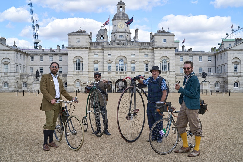 THE TWEED RUN YEOMANRY ON THE ROGUE RUN. HORSE GUARDS PARADE WHITEHALL LONDON SW1 ON THE DAY THE 2020 TWEED RUN WAS SUPPOSED TO HAVE TAKEN PLACE SATURDAY 02ND MAY 16.38 DURING THE GREAT GLOBAL PANDEMIC OF 2020 - GRAHAM GUY BARRATT