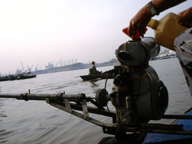 REFUEL ON THE SAIGON RIVER - GRAHAM GUY BARRATT
