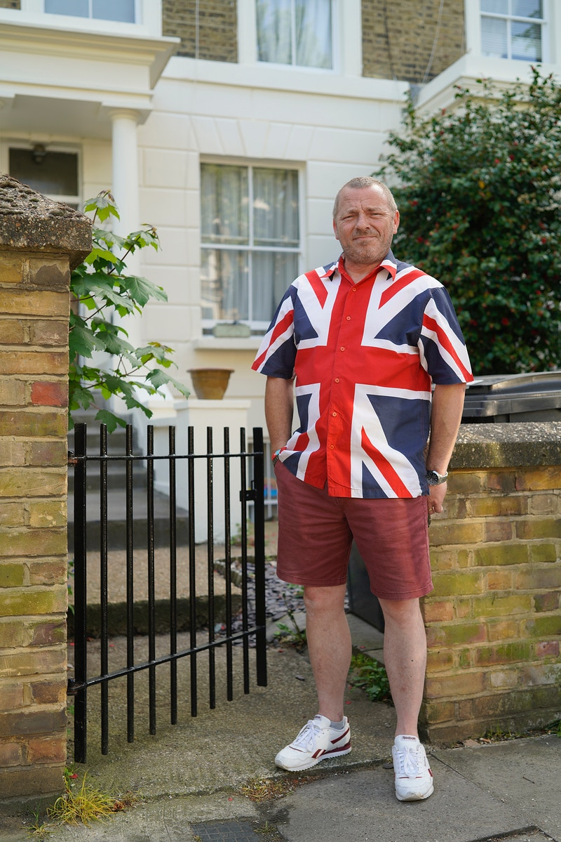DAVE. DE BEAUVOIR TOWN ISLINGTON NORTH LONDON FRIDAY 08TH MAY 16.18 ON VE DAY THE 75TH ANNIVERSARY OF THE ENDING OF WW2 DURING THE GREAT GLOBAL PANDEMIC OF 2020 - GRAHAM GUY BARRATT