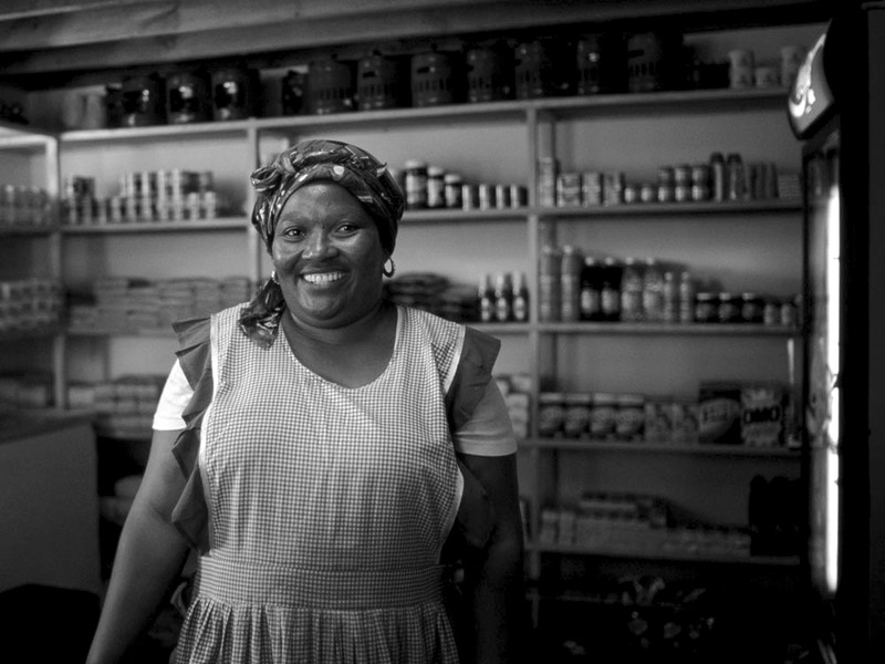 GRACE OWNER OF THE TOWNSHIP SHOP - IMIZAMO YETHU TOWNSHIP HOUT BAY NR CAPE TOWN SOUTH AFRICA - GRAHAM GUY BARRATT