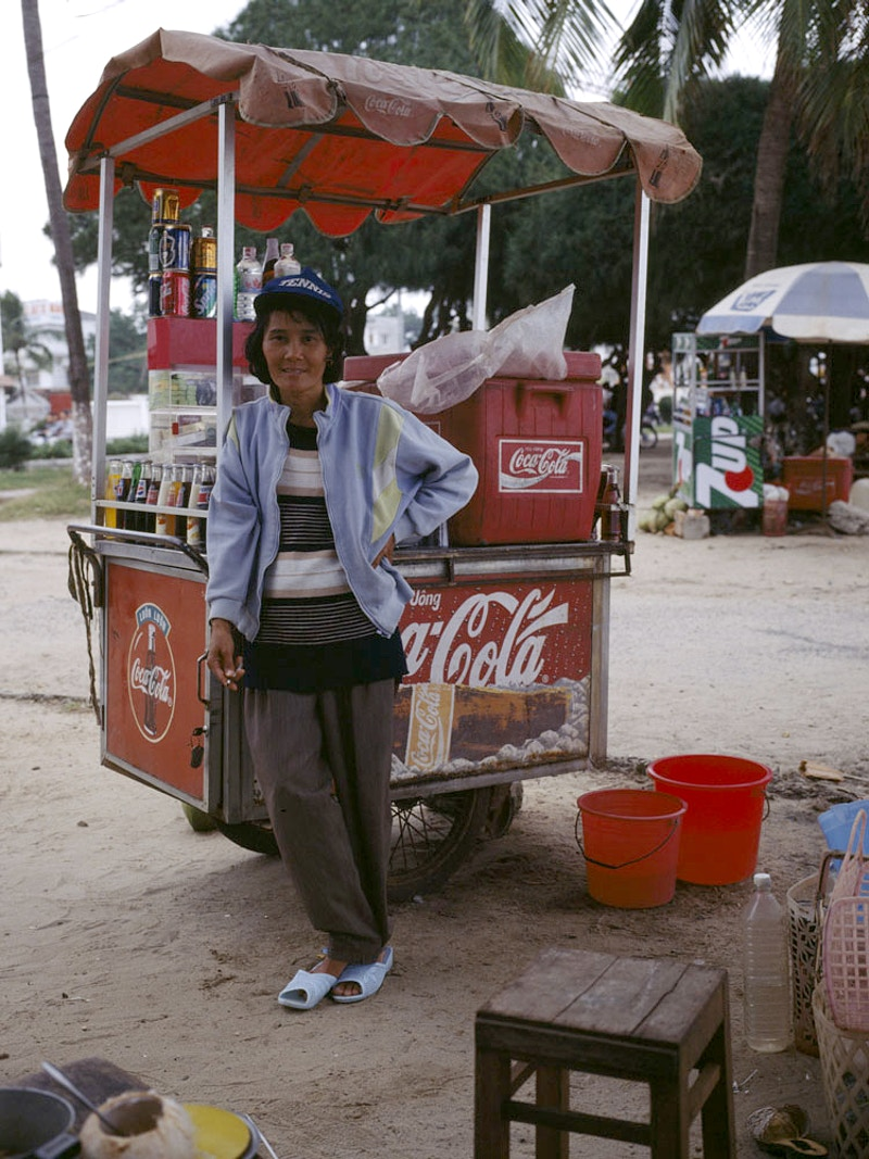 DRINKS SELLER - NHA TRANG CENTRAL VIETNAM - GRAHAM GUY BARRATT