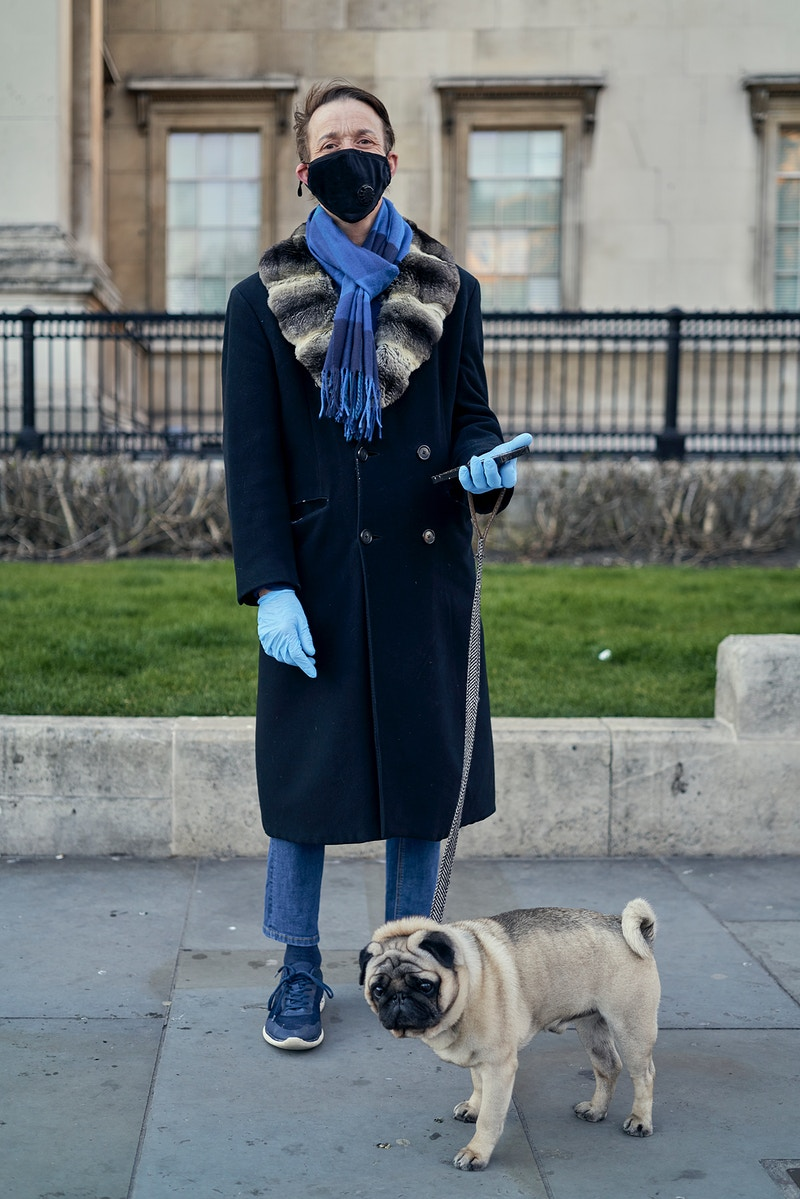 STEVEN & MONTY.  IN FRONT OF THE NATIONAL GALLERY N/E CORNER OF TRAFALGAR SQUARE SATURDAY 04TH APRIL @ 19.12 DURING THE GREAT GLOBAL PANDEMIC OF 2020 - GRAHAM GUY BARRATT