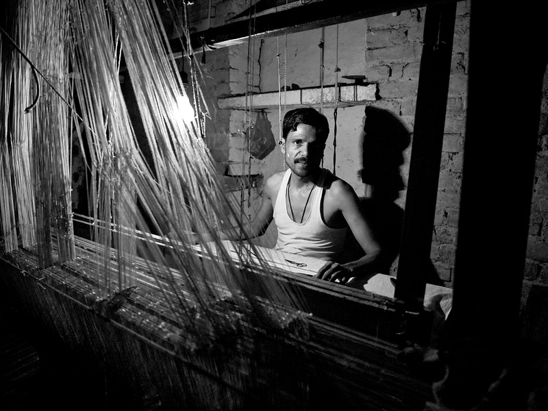 THE WEAVER - VARANASI, UTTER PRADESH - GRAHAM GUY BARRATT