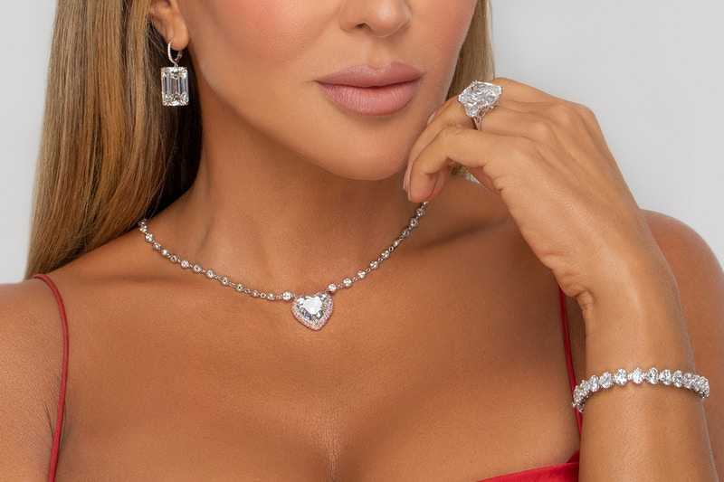 Beauty Jewelry - Holly Parker - Photographer