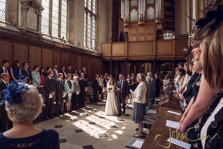 Entrance of the bride to The University Church, Oxford - JC Wedding Photography - Oxford wedding photographer