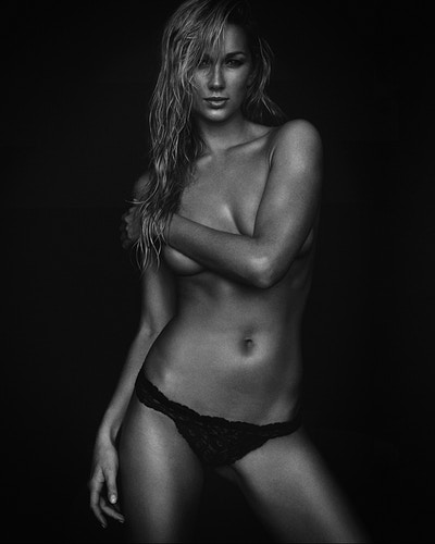 Beauty Portrait - JEAN-CLAUDE VORGEACK | PHOTOGRAPHY - Los Angeles Fashion, Lifestyle, Athletic Wear, Sportswear, and Fitness Photographer