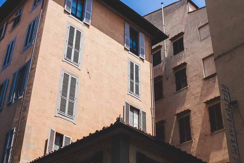 Tuscan Shades And Textures - Jeremy Hosking
