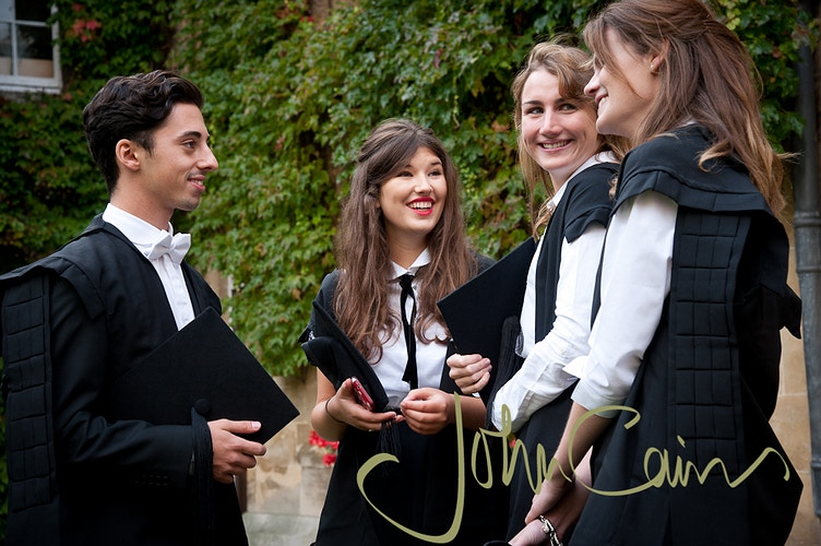 Oxford University Freshers on matriculation day - John Cairns Photography