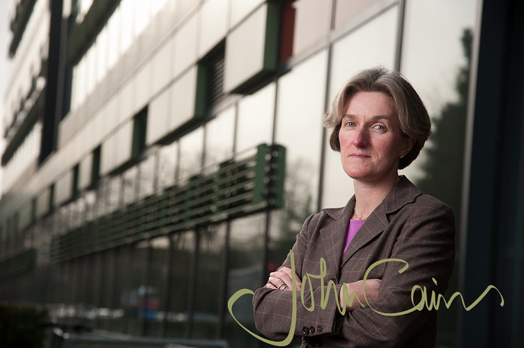 Portrait of Helen McShane - Professor of Vaccinology, Old Road Campus, Oxford - John Cairns Photography
