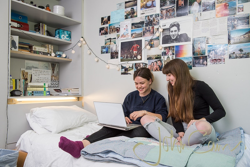 St Catz College - undergraduates in their new accommodation. - John Cairns Photography