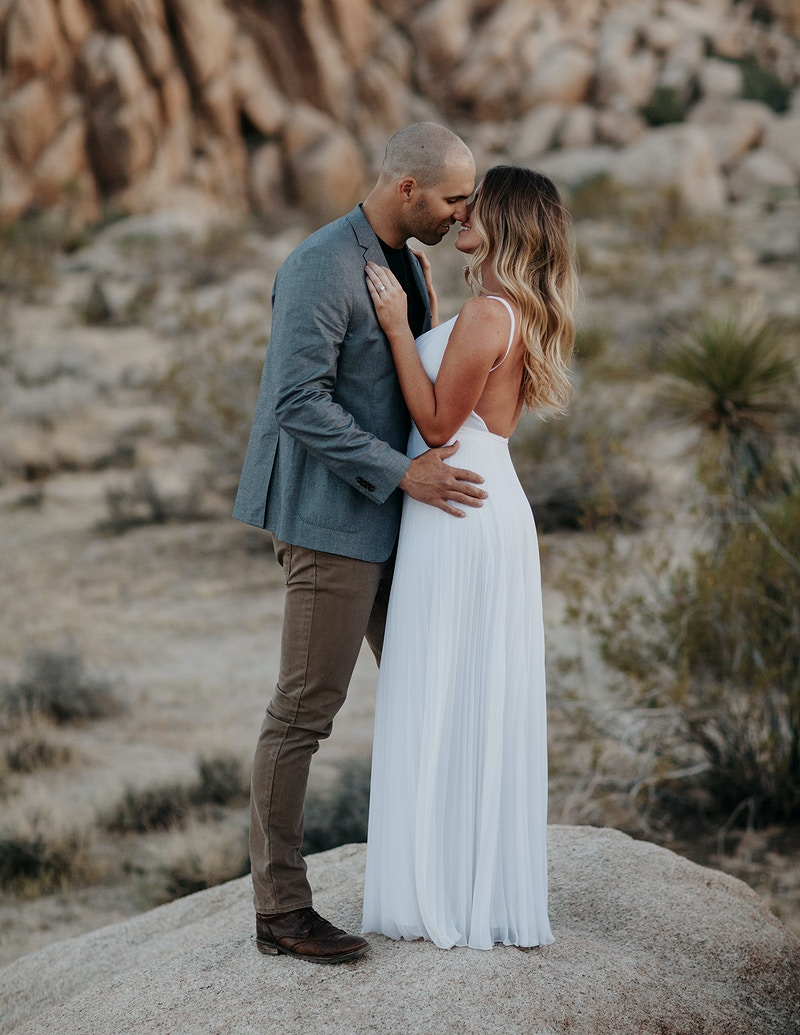 Carly Jp Joshua Tree National Park Ca - Jordan Voth | Seattle Wedding & Portrait Photographer