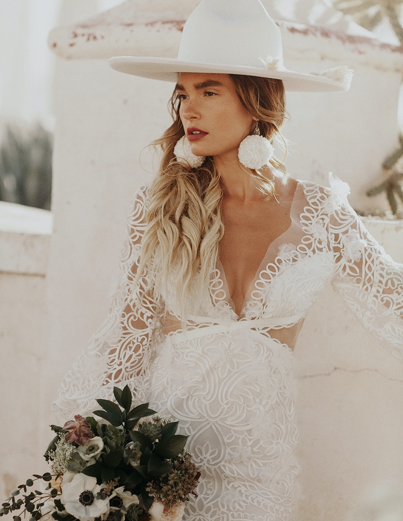 Arizona Desert Bridal Session - Jordan Voth | Seattle Wedding & Portrait Photographer