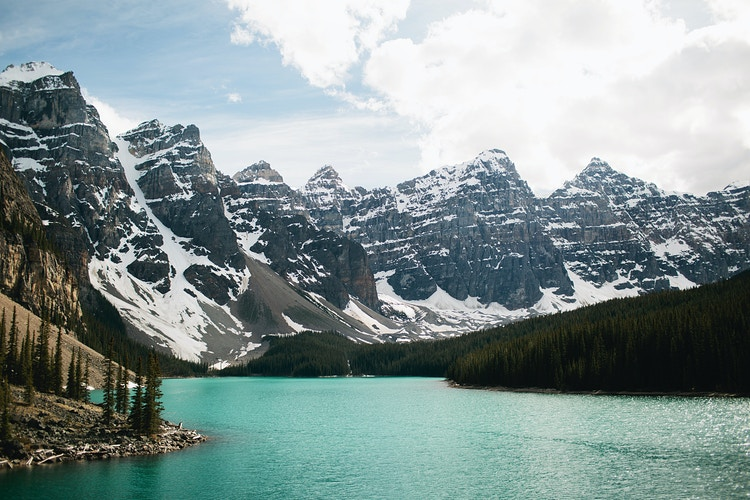 Moraine Lake - Jordan Voth | Seattle Wedding & Portrait Photographer