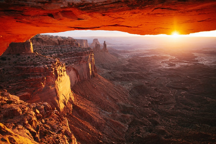 Mesa Arch at Sunrise - Jordan Voth | Seattle Wedding & Portrait Photographer