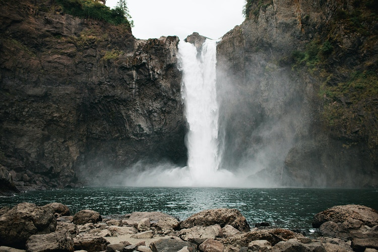 Snoqualmie Falls in Spring - Jordan Voth | Seattle Wedding & Portrait Photographer