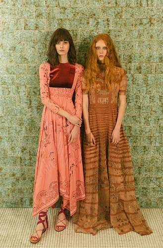 Vogue Spain Meet The Swinton Sisters - LARA TASCON