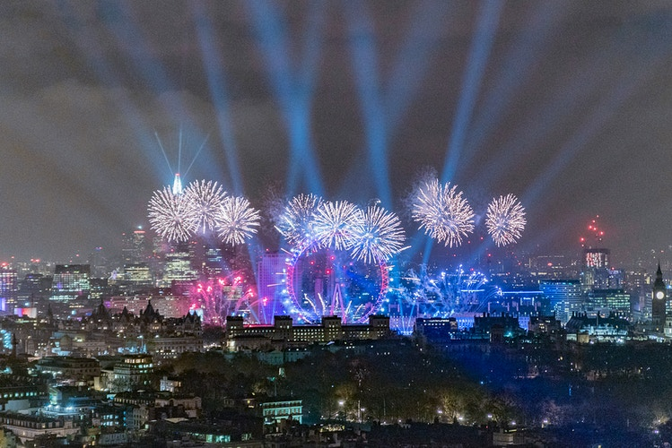 2016 NYE Fireworks at London Eye - London Viewpoints